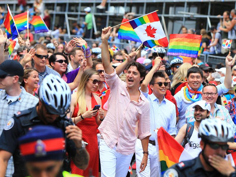 Джастин Трюдо первым из канадских премьер-министров посетил ЛГБТ-парад