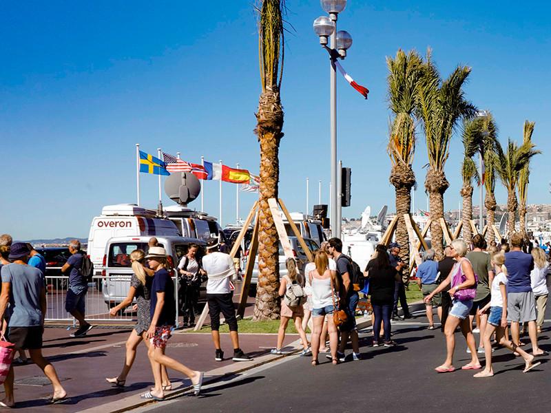 Туристы, отдыхающие в Ницце, начали отменять бронирования в гостиницах старого города после теракта