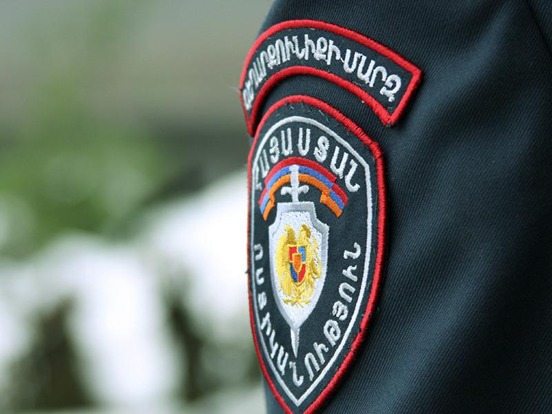 Вооруженные люди захватили здание полиции в Ереване, столице Армении
