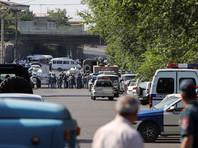 Захватчики в Ереване отпустили последних заложников - генерала и полковника полиции