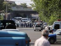 В Ереване задержали мужчину, покинувшего захваченное отделение полиции