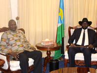 Президент Южного Судана Сальва Киир (на фото - справа) и вице-президент Риек Машар, апрель 2016 года