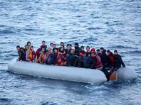 Чтобы добиться своего, мигранты прибегают к различным способам шантажа, например угрожают пограничникам выбросить за борт детей или проколоть лодку