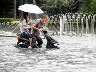 В Китае сильные ливни привели к наводнениям в ряде регионов и гибели десятков человек