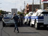 Из здания полиции в Ереване, захваченного вооруженной группой, освобождены еще два заложника