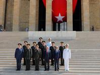 Эрдоган, несмотря на попытку переворота, оставил на местах главу генштаба армии и главкомов ВВС и ВМС