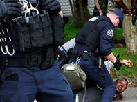 В США в городе Батон-Руж (штат Луизиана) задержали трех человек за кражу оружия, которое планировалось использовать при нападениях на полицейских