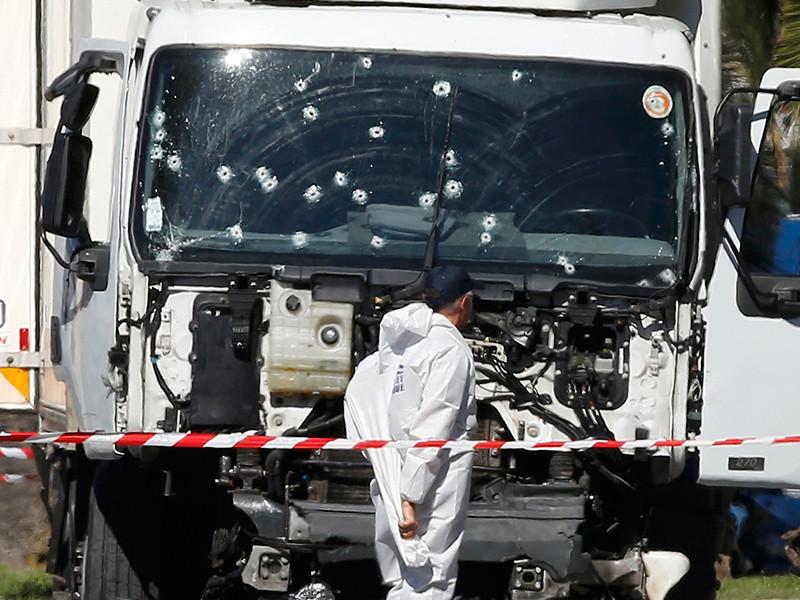 Удостоверение личности, найденное в грузовике, который использовался для теракта в Ницце, принадлежали террористу