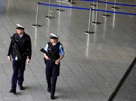 В аэропорту Франкфурта пассажиров эвакуировали из-за угрозы взрыва (ВИДЕО)