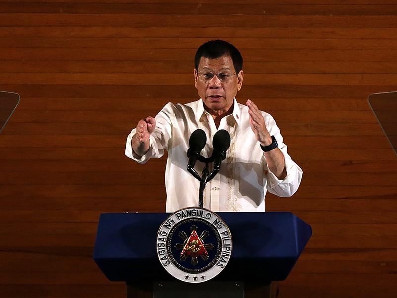 У Филиппин назревает серьезный дипломатический скандал с США из-за высказываний президента страны Родриго Дутерте об американском после Филипе Голдберге