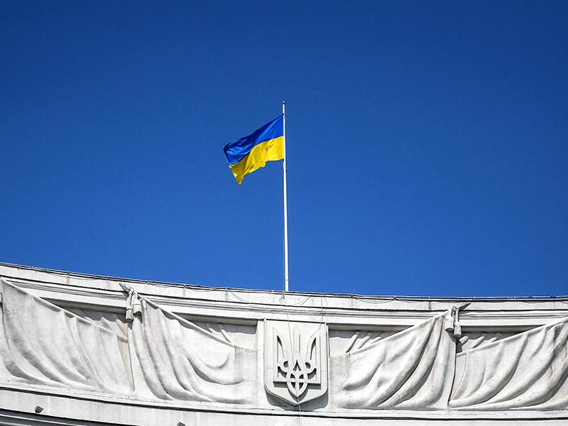 Правительство Украины продлило действие существующих санкций против граждан России и российских компаний и расширило список персональных санкций еще в полтора раза, заявил первый вице-премьер страны, министр экономического развития и торговли Степан Кубив