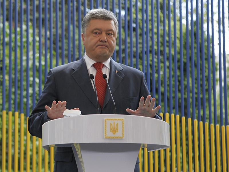 Порошенко поручил привести в боеготовность войска на границе с Крымом и в Донбассе