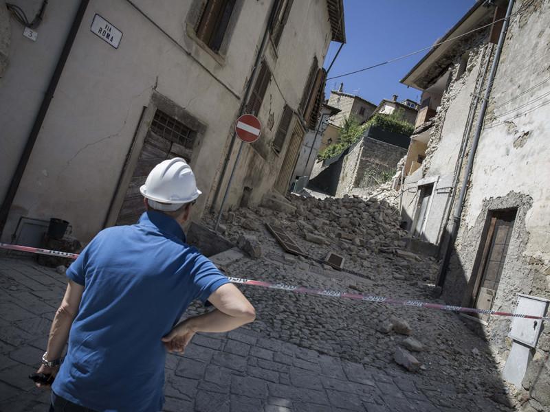 Власти Италии объявили субботу, 27 августа, днем общенационального траура после разрушительного землетрясения