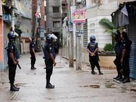 Cиловики получили информацию о том, что в одном из кварталов в пригороде Дакки укрываются исламисты