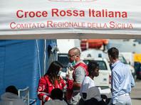 В основном африканские мигранты переправляются из Ливии в Италию на немореходных лодках