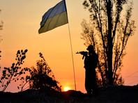 Глава государства поручил привести в повышенную боевую готовность все подразделения армии на границе с Крымом и на Донбассе