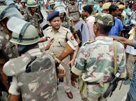 В индийском штате Ассам террористы расстреляли по меньшей мере 13 человек
