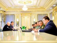 На следующий день после сообщений ФСБ РФ о предотвращении в Крыму теракта, который якобы пытались организовать украинские военные, президент Украины Петр Порошенко провел совещание с руководителями силовых ведомств и МИД