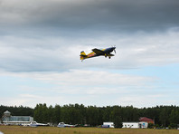 По сведениям Polska Times, российский пилот, самолет которого был перехвачен, направлялся для участия в чемпионате мира по высшему пилотажу. Как говорится в статье, россияне прибыли в Польшу раньше других команд, чтобы потренироваться