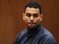 Певца Криса Брауна арестовали после обвинений блондинки в нападении