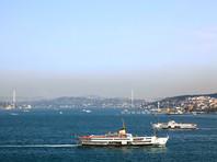 Движение через Босфор останавливали из-за столкновения турецкого катера с сухогрузом, плывшим на Украину
