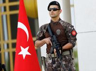 В Турции изданы указы об увольнении более двух тысяч полицейских и сотен военных