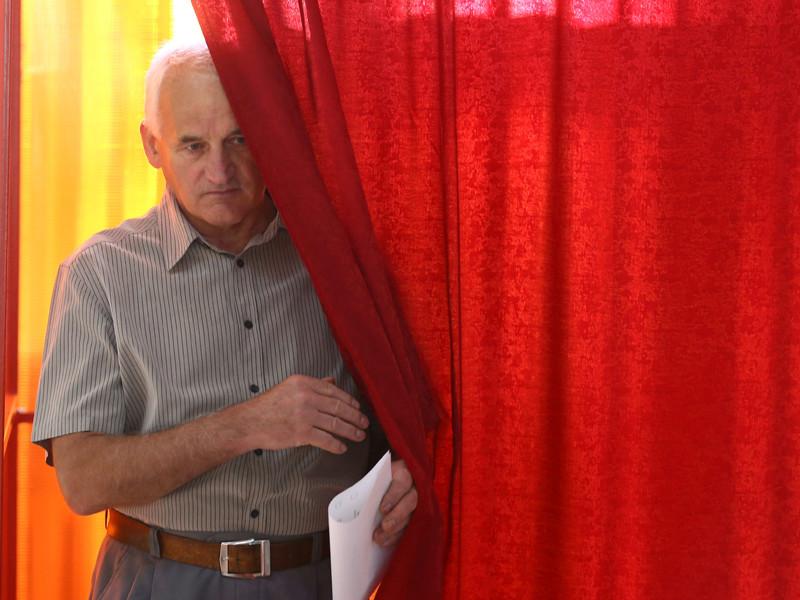 Парламентские выборы в Белоруссии состоялись - по данным Центризбиркома на 14:00, явка избирателей составила 52,49%