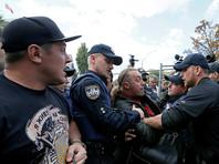 На Украине возбуждены уголовные дела после стычек возле диппредставительств РФ в Киеве и Одессе
