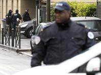 На парковке супермаркета в пригороде Парижа 73-летний мужчина открыл огонь по прохожим