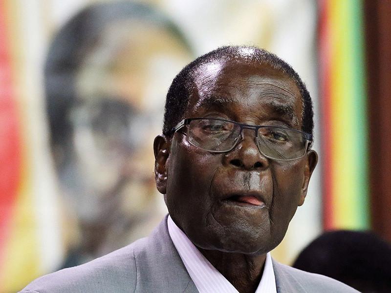Президент Зимбабве Роберт Мугабе, который руководит страной уже более 35 лет, открыл памятник самому себе