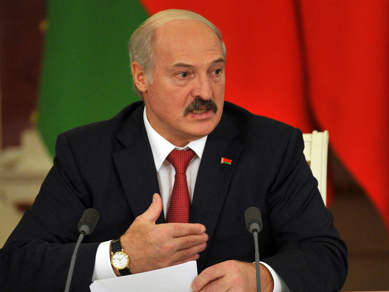 Лукашенко заявил, что американцы не выберут женщину президентом