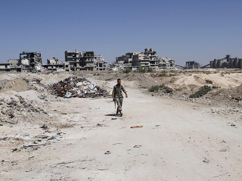 На территории Сирии с 19:00 по московскому времени введен режим прекращения огня, о котором ранее договорились Россия и США во время двусторонних переговоров в Женеве