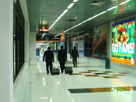 В урне аэропорта в Бангладеш нашли десяток золотых слитков