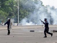 В полиции заявляют, что погибшие 14 гражданских были мародерами. Жорж Капиамба, глава местной неправительственной организации Конголезская Ассоциация за доступ к правосудию, утверждает, что силовики застрелили 25 демонстрантов