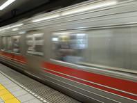 В Токио несколько пассажиров метро пожаловались на кашель и подозрительный запах на станции