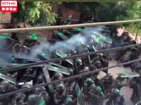 """Китайские полицейские провели """"профилактический"""" рейд, чтобы предотвратить протесты в одной из деревень"""