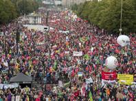 В Германии более ста тысяч человек вышли протестовать против Трансатлантического партнерства с США