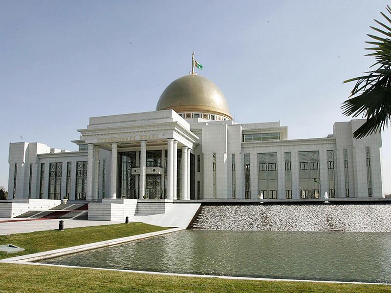 Меджлис Туркменистана единогласно проголосовал за принятие нового варианта конституции страны, которая отменяет возрастное ограничение в 70 лет для участие в президентских выборах