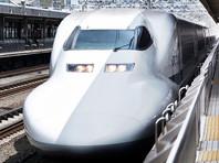В Японии уволили машиниста поезда-пули, задравшего ноги на приборную панель (ФОТО)