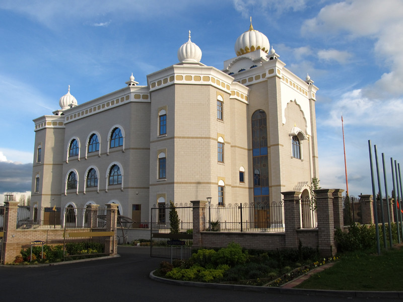 В Великобритании арестованы 55 сикхов, захвативших храм