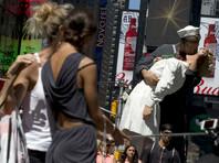 """В США скончалась медсестра со знаменитой фотографии """"Поцелуй на Таймс-сквер"""""""