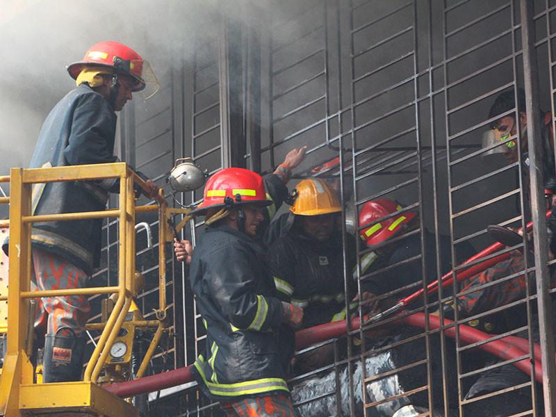 В Бангладеш из-за взрыва на фабрике погибли 15 человек