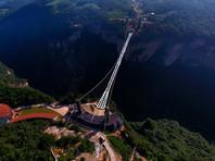 Самый длинный стеклянный мост после двух недель работы внезапно закрыли для посетителей