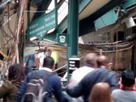 В Нью-Джерси пригородный поезд врезался в здание вокзала