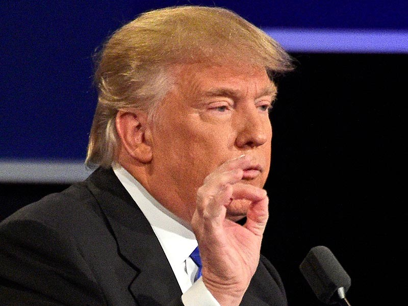 Кандидат в президенты США от Республиканской партии Дональд Трамп в стремительно выпущенном видеообращении извинился за скабрезные ремарки в адрес женщин, ставшие достоянием общественности