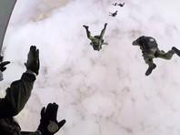 Десантники РФ и Египта впервые выполнили прыжок на управляемых парашютах