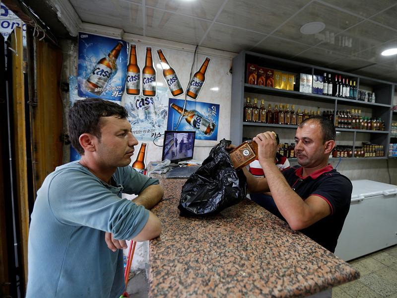 Парламент Ирака в субботу, 22 октября, принял закон, запрещающий импорт, производство и продажу алкоголя на территории страны