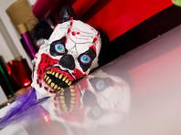"""Крупные магазины Германии отказались продавать маски """"клоунов-убийц"""", чтобы не помогать маньякам"""