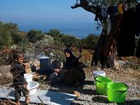 В лагере Ореокастро содержатся около 1300 мигрантов. Всего в Греции находятся более 60 тысяч беженцев, преимущественно сирийцев, которые ждут предоставления убежища или переселения в другие страны Евросоюза
