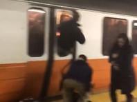 Пассажиры метро Бостона разбили окна в вагонах, испугавшись задымления на станции